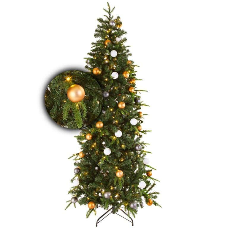 kant en klare kerstboom met kerstballen en verlichting